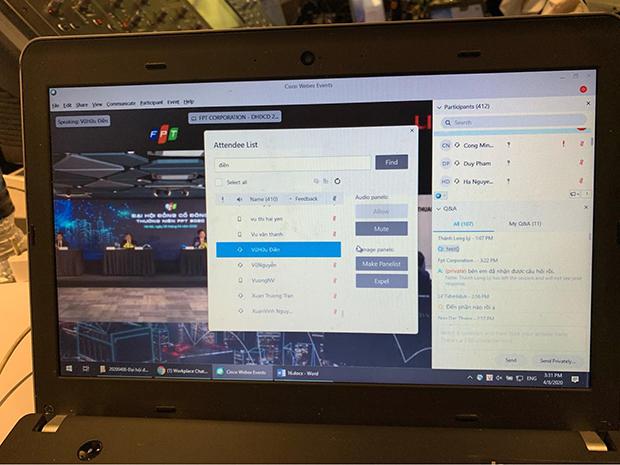 Màn hình hiển thị có 412 cổ đông đang tham gia ĐHĐCĐ trực tuyến.